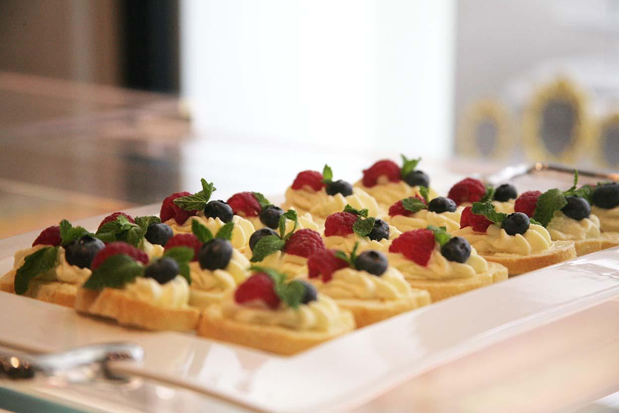 dessert_tray